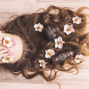 W okresie letnim warto zadbać o dobrą kondycję włosów💆♀️ Seria masło kakaowe zdecydowanie Wam w tym pomoże🤎 Maska, odżywka oraz szampon zadbają o odpowiednie nawilżenie oraz regenerację😍 Zapomnij o problemie z nadmiernym wysuszaniem🤗  A Wy jak dbacie o swoje włosy w okresie letnim?🌞🌞  #promocja #konkurs #polishgirl #polishmom #polishboy #polskiekosmetyki #rozdajemy #wygraj #polskadziewczyna #włosy #maskadowłosów #odzywkadowlosow #lato2020 #kosmetyki #nawilżenie #warszawa #wrocław #gdańsk #kraków #poznań #bielskobiała #momlife #pielęgnacja #dlaniej #dlaniego #polskamarka #kwiaty #love #instacosmetics #poniedzialek
